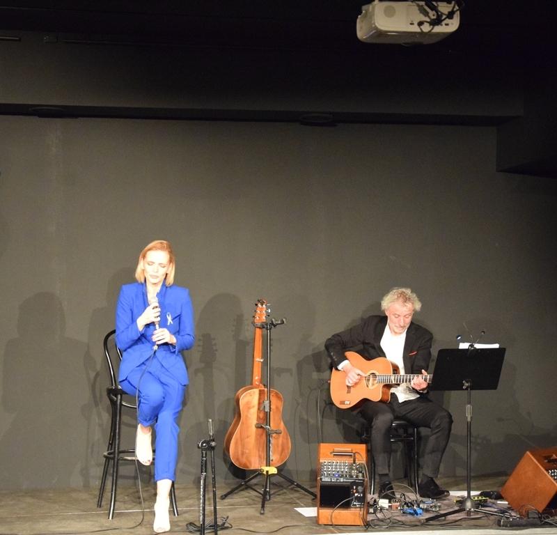Niebieski Koncert. Głos sprzeciwu wobec gwałcenia ludzkiej godności